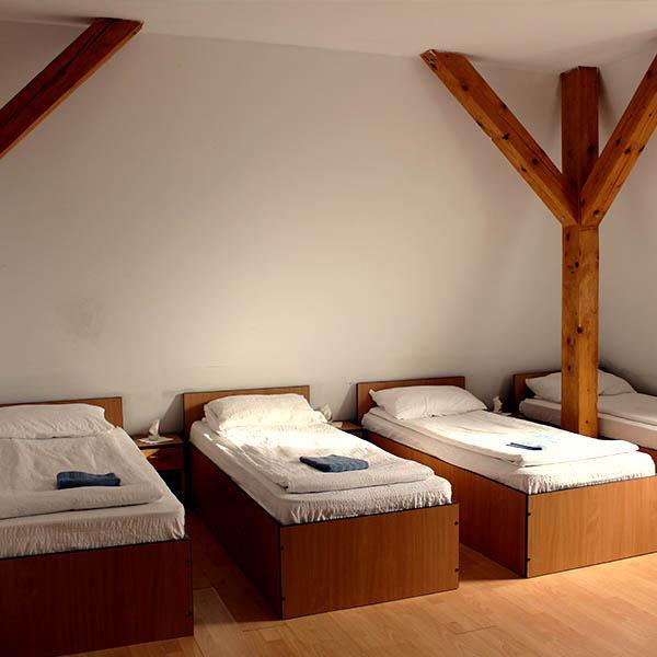 Rooms with 4 beds